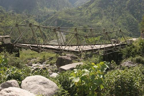 Broken Bridge, Munsiyari-Jauljibi Road, Uttaranchal, May2006