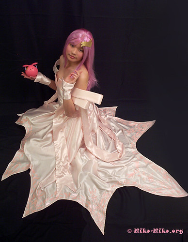 Lacus Clyne Pink Wedding Dress Jun 21 2006 506 PM