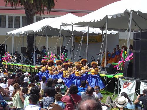 Hula dancers