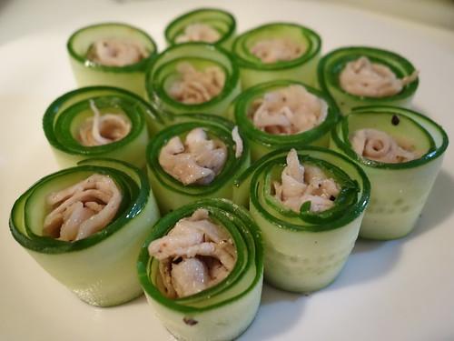 20130703 小黃瓜捲松阪豬佐伊莉莎白辣醬