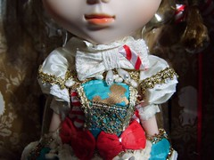 Canele- dress detail photo by Karu Aileas