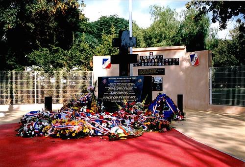Hyères - Le Memorial de la 1ère DFL  - Col. Wladislas Picuira