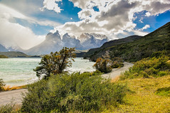 Torres del Paine a la vista photo by Ricardo Martinez Fotografia