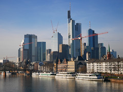 Skyline, Frankfurt am Main, Germany photo by Ferry Vermeer