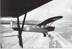 RA- Piper cub en vol-  ECPA-  La Campagne d'Italie 1943-1944 Artilleurs et fantassins français. Henri de Brancion. Presses de la Cité