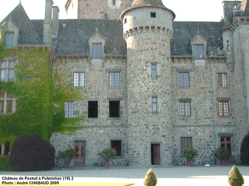 Château de Pesteil à Polminhac (15) 2