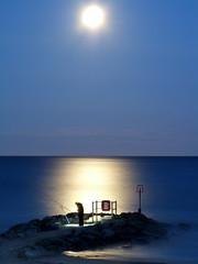 Moon light fishing. photo by cobby31 .