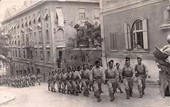 Les troupes françaises regagnent leurs cantonnements après un défilé dans Rome, le 4 juin 1944 (photo OFIC, coll. Bongrand Saint Hillier)