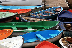 coloful boats photo by Mimadeo