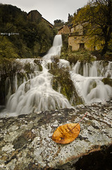 Autumn at the waterfall photo by © Mario Gutiérrez Photographer