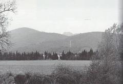 1944 - Provence- rive gauche gapeau les mesclans le mt redon et Coudron en arriere plan - Col part- Paul Gaujac