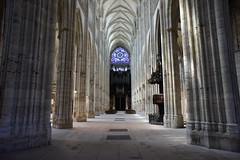 Rouen, Church of St. Ouen, interior photo by barnyz