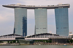 Singapore - Marina Bay Sands Hotel photo by Drriss & Marrionn