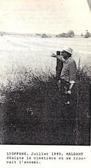 Franche Comté- Lyoffans - René Maldant désigne en 1990, le cimetière où se trovait l'ennemi
