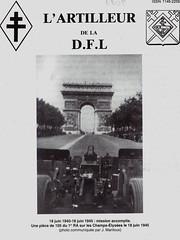 RA- 1945- 18 juin :  piece de 105 du RA sur les Champs Elyséees