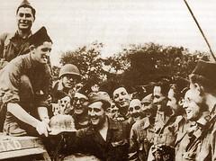 1944 12 septembre- Nod sur Seine : liaison 1ere DFL et 2e DB