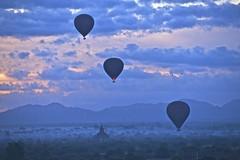 Bagan ballooning photo by Noel Molony
