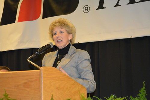 Rep. Shelly Short addresses Washington Farm Bureau members after receiving the group's 2013 Legislator of the Year Award