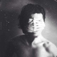 Obscure photo by Ade Santora