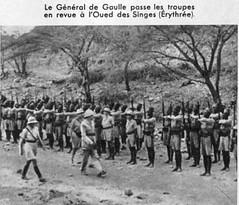 1941- Erythrée- le général de Gaulle passe les troupes en revue - ADFL
