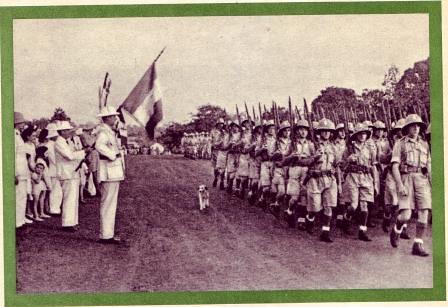 13 DBLE- 1940- La Légion défile a Yaoundé
