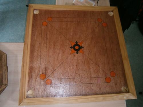 fabrication de jeux traditionnels en bois le carrom classe relais merville 59. Black Bedroom Furniture Sets. Home Design Ideas