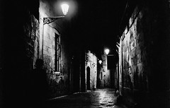 Dark alley, canticle of a restless night photo by Tunguska RdM