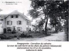 Carrefour du Calvaire-  cour du café Barré où stationnèrent les chars du peloton Bokanowski les 23-24 nov. Source   La Voge 2012 Hors série - Libération du pays sous-vosgien AHPSV