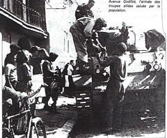 Provence- 1944 -Hyères- Avenue Godillot l' arrivée des troupes alliées - Source  Pierre Tropet conservateur du Memorial de Hyères