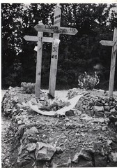 49- 29 juin 45- BM 2- Cimetière de Retaud - Tombe de Théo Lavaud - Fonds Amiel
