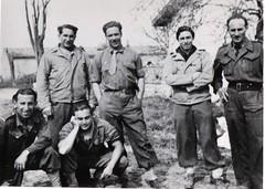 4 - Avril 45 Le Bm 2 devant Royan- Le lieutenant Roger Brisvalter et 1 sous-officier -Fonds Amiel