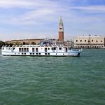 La Bella Vita - Cruising in Venice