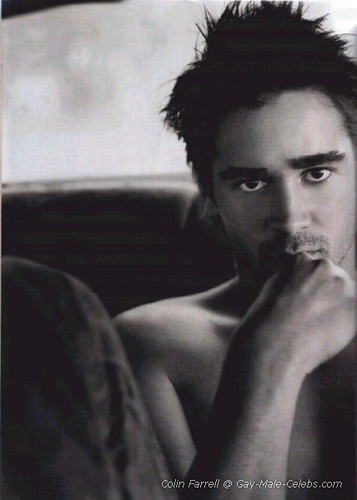 Colin Farrell With His Top Off