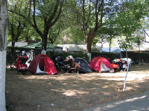 246-4603 Madrid 9:33 11/06/2006 Camping depois de muito procurar hotel formula 1