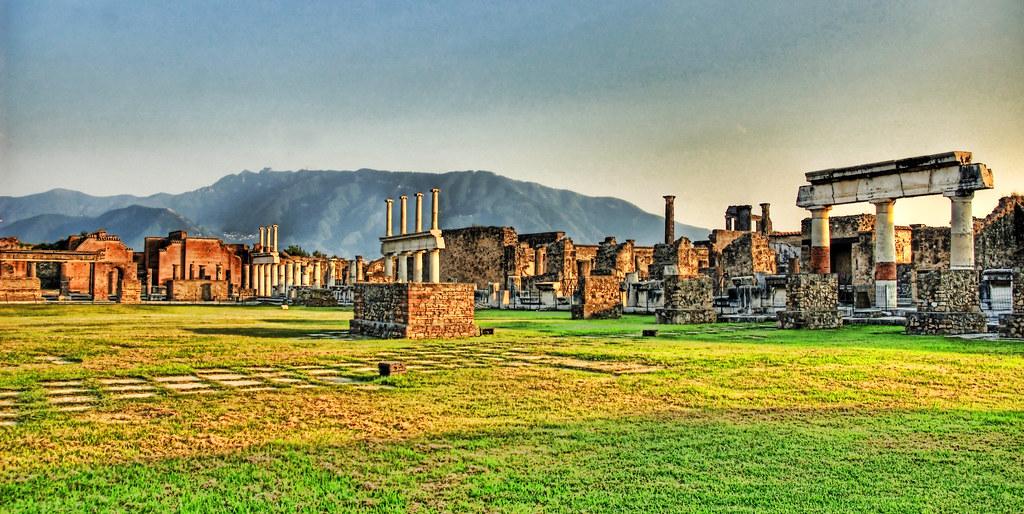 Pompeii Scavi Ruins Astrewn