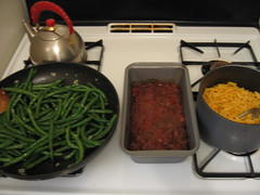 Meatloaf, green beanz and mac'n'cheez