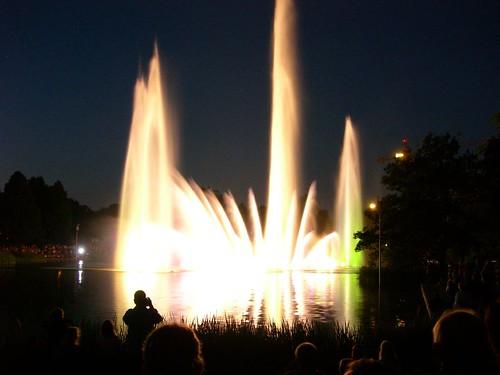 Wasserorgel, Tanzmusik illuminierend
