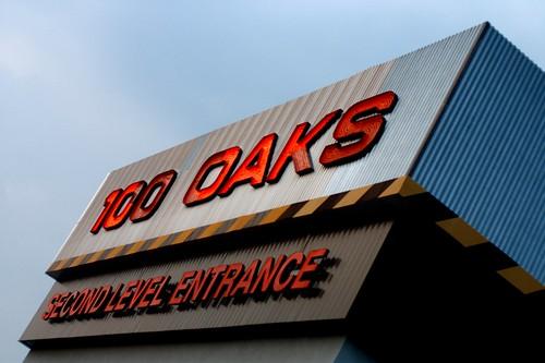 100 Oaks