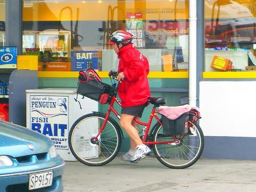 紐西蘭騎腳踏車的郵差
