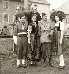 Masevaux -Liliane frey avec Colonel du 8+¿me RCA en 1945, photo DR origine Thierry Frey - copyright Antoine Ehret