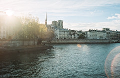 by the Seine photo by marin.tomic