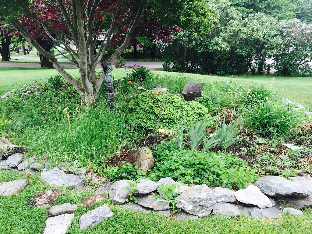 Edging Weeding Amp Mulching Atlantic Lawn Care Portland