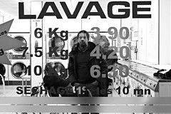 Lavage la nuit photo by Something Sighted