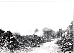 27- 15 avril 45 - Prise de Royan-aux approches de la ville - Fonds Amiel
