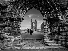 Mediaeval Arch (St Andrews, Scotland. Gustavo Thomas © 2014) photo by Gustavo Thomas