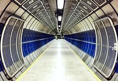 85/365 London Bridge Underground (Explored) photo by Juliana Lauletta