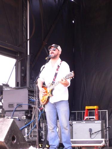 Ed Anderson guitarin'