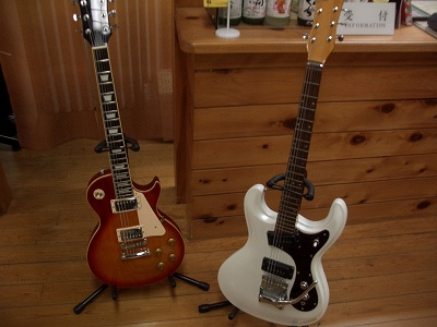 20060322 弁天鉱泉 ご主人ギター