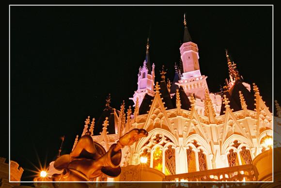 Замок Золушки ночью
