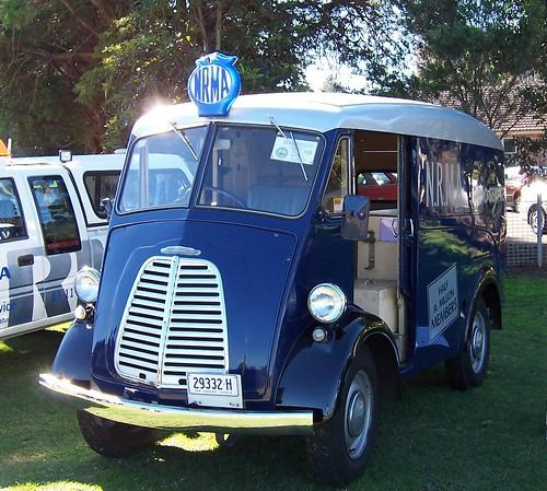 1951 Morris J Van